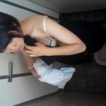 そふといちば av-mkt.com REGIRL JKちゃん達のtoilet⑦ 個室内の着替え(^^♪上から見られてますよ( ;∀;)