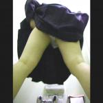 本物志向の臨場感がスゴイ!肛門がはち切れそうなブツを(*_*):C○校トイレ④